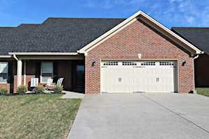 131 Dogwood Villa Dr Shelbyville, KY 40065