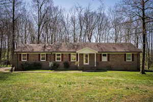 683 Reed Ln Simpsonville, KY 40067