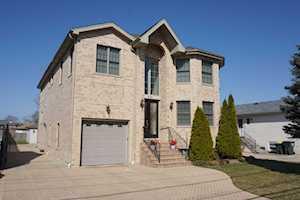8420 GREENWOOD Avenue Niles, IL 60714