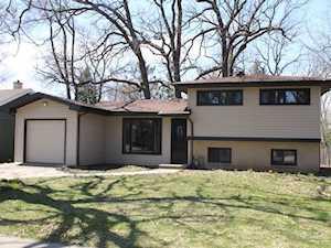916 Ridgeland Avenue Mundelein, IL 60060