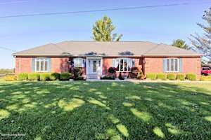 948 Veechdale Rd Simpsonville, KY 40067