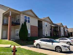 7315 Saint Andrews Woods Cir Louisville, KY 40214