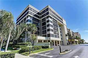 1102 Benjamin Franklin Drive #811 Sarasota, FL 34236