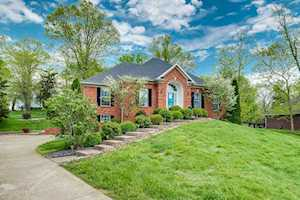 6709 Chimney Hill Rd Crestwood, KY 40014