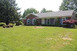 2304 Windsor Forest Dr Louisville, KY 40272