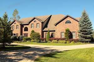 1940 MAPLE Place Riverwoods, IL 60015