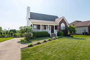 3236 Bluegrass Dr Shelbyville, KY 40065