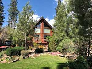202 Wheeler View Dr. Mammoth Lakes, CA 93546