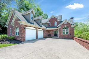 4304 Lost Spring Ct Louisville, KY 40241