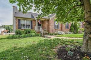 23 North Country Dr Shelbyville, KY 40065