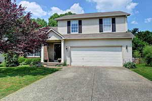 3913 Orchard Lake Dr Louisville, KY 40218