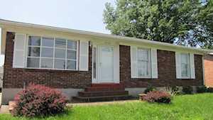 2106 Shadow Fern Dr Louisville, KY 40216
