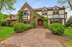 470 Cherry Ln Mendham Boro, NJ 07945