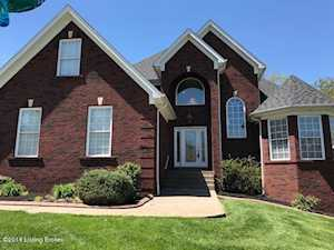 620 Chieftain Dr Louisville, KY 40118