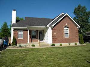 372 River Oaks Dr Shepherdsville, KY 40165