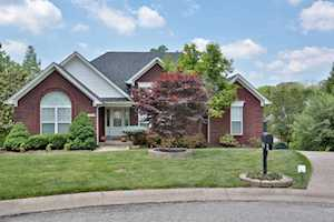 4702 Carolina Springs Ct Jeffersontown, KY 40299