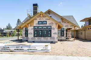 2735 NW Lemhi Pass Drive Bend, OR 97703