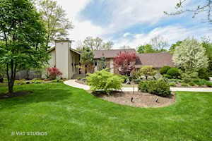 32321 Forest Drive Grayslake, IL 60030