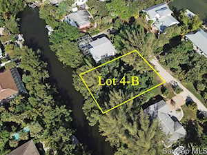 5847 Pine Tree Dr Sanibel, FL 33957