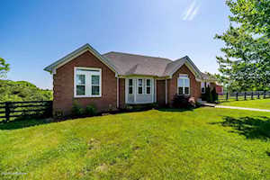 72 Normandy Ct Taylorsville, KY 40071