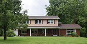 8800 Lakeridge Dr Louisville, KY 40272
