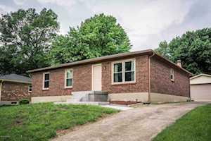 8414 Roseborough Rd Louisville, KY 40228