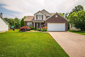 9915 Indian Falls Dr Louisville, KY 40229