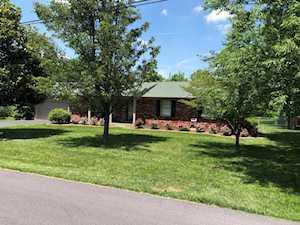 5903 Camden Acres Dr Crestwood, KY 40014