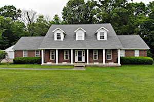 261 Worningford Dr Taylorsville, KY 40071