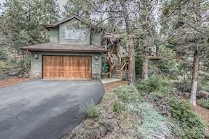 3945 NW Lower Village Road Bend, OR 97703