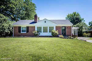 54 Narwood Dr Louisville, KY 40299