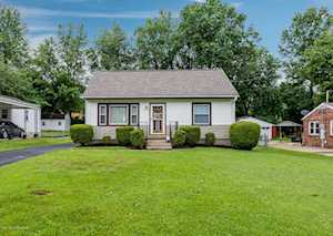 2220 Cottage Ln Louisville, KY 40216