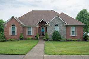 2793 Brassfield Cir Shelbyville, KY 40065