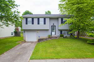 5601 Sprigwood Ln Louisville, KY 40291