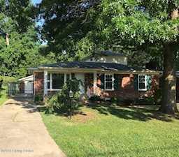 4518 Sanders Ln Louisville, KY 40216