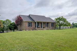 24 Bailey Ct Taylorsville, KY 40071