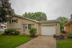 633 Mckinley Ave Mundelein, IL 60060