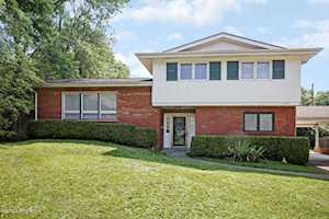 1711 Calder Ct Louisville, KY 40205