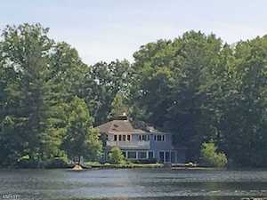 33 East Shore Rd Mountain Lakes Boro, NJ 07046