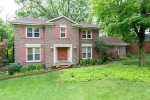 4404 Deepwood Dr Louisville, KY 40241