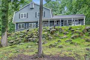 27 Beaver Ridge Rd Morris Plains Boro, NJ 07950