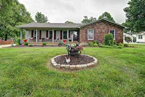 318 Centerview Dr Shepherdsville, KY 40165
