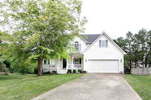 4015 Fairfield Gardens Ct Louisville, KY 40245