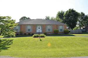 7404 Spring House Ln Louisville, KY 40291