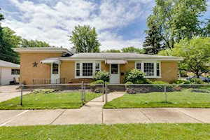 317 Wille Ave Wheeling, IL 60090