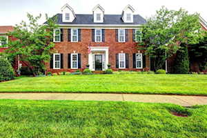 7005 Wooded Meadow Rd Louisville, KY 40241