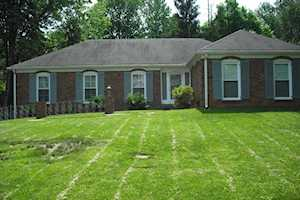 9104 Glover Ln Louisville, KY 40242
