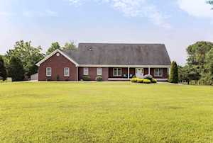 4723 Three Lakes Rd Crestwood, KY 40014