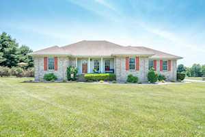 161 Kristal Springs Dr Shepherdsville, KY 40165