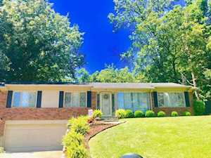 5702 Blue Spruce Ct Louisville, KY 40214